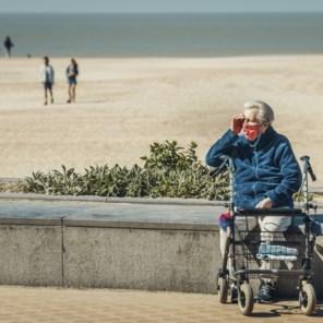 Meer volk, ook dagjestoeristen, maar geen massa aan de kust