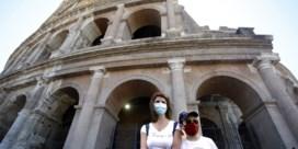 De heropening van Italië is begonnen: met kleine groepjes naar Colosseum