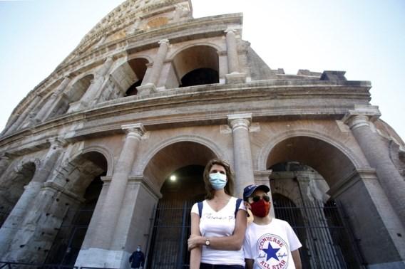 De heropening van Italië is begonnen: in kleine groepjes naar Colosseum