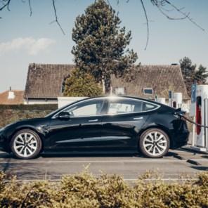 Als iedereen elektrisch rijdt, is het milieu niet gered. Integendeel