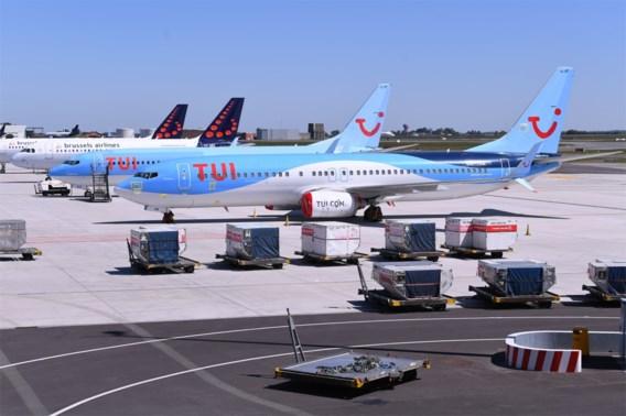 Minister Muylle vraagt onderzoek naar geannuleerde vliegtuigreizen