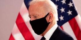 Presidentskandidaat Joe Biden viseert Facebook