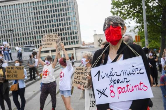 Zorgpersoneel protesteert aan kabinet van minister De Block