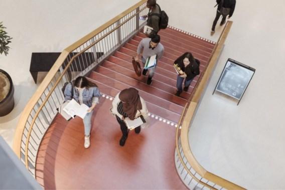 Hogescholen en universiteiten reageren massaal op tweet over hoofddoek in de klas