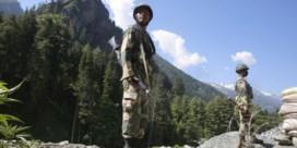 Dode soldaten zetten Xi en Modi voor het blok