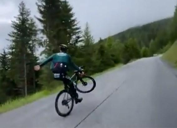 Hij heeft het nog niet verleerd: Sagan pakt nog eens uit met stevige wheelie, alsof het niets is