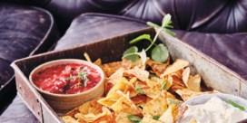 Zoete nachoschotel met mascarpone en rodevruchtensla