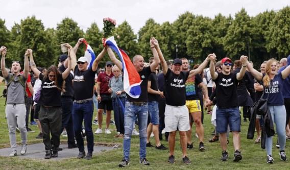 400 Nederlanders opgepakt op demonstratie tegen coronamaatregelen