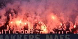 Dan toch voetbal met (een beetje) supporters
