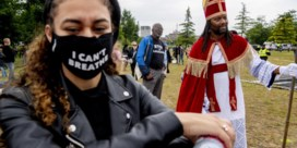 In het racismedebat in Nederland kruipt iedereen nog wat dieper in zijn loopgraaf