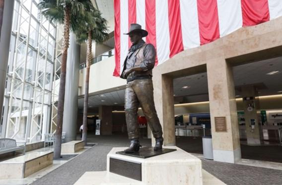 LIVEBLOG. Democratische partij wil andere naam voor John Wayne-luchthaven