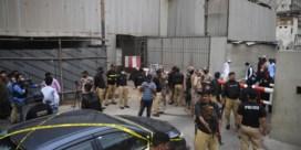 Zes doden bij aanslag op aandelenbeurs van Pakistan