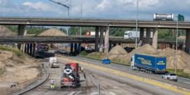 Oosterweelwerken op kruissnelheid: E17 dit weekend afgesloten, zware hinder verwacht in augustus