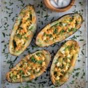 Gepofte aardappel met bloemkool en kaas