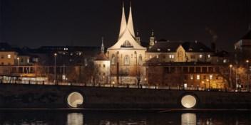 Praag transformeert oude ijskelders aan waterkant in bars en restaurants
