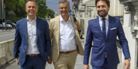 Lachaert, Coens en Bouchez brengen zes partijen samen rond onderhandelingstafel