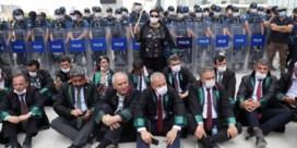 'Erdogan perkt onafhankelijkheid Turkse advocaten in'