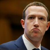 Mark Zuckerberg staat geïsoleerd