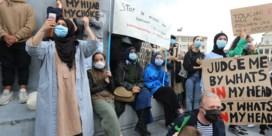 Betogers eisen recht op hoofddoek in onderwijs