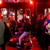 Overvolle straten in Londen na heropening pubs