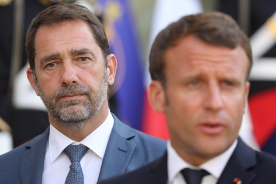 Macron offert vertrouweling op in nieuwe regering