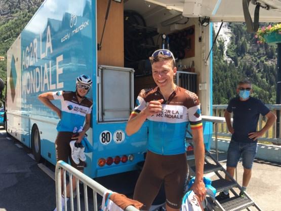 """Het wordt een """"vreemd jaar"""", maar Oliver Naesen is dolblij dat hij weer kan koersen: """"Voelde mij een gepensioneerde renner"""""""