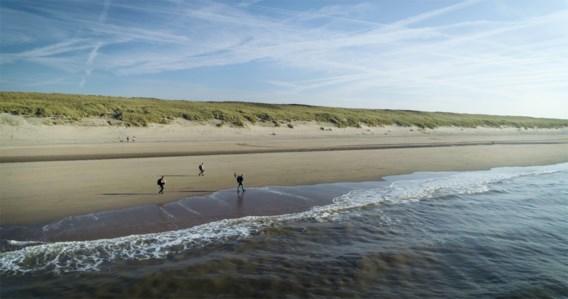 Onderzoekers gooien plastic in Schelde om te zien hoe afval Noordzee bereikt