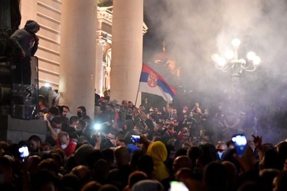 Servisch parlement bestormd vanwege zwalkende president