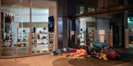 Opvangcentrum voor ruim 250 daklozen in Brussel moet midden in coronacrisis sluiten