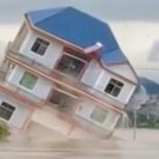 Overstromingen verwoesten bruggen en huizen in China