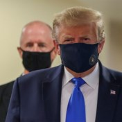 Trump draagt masker in openbaar: 'Ik ben nooit tegen mondmaskers geweest'