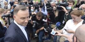 Poolse presidentsverkiezingen draaien uit op nagelbijter