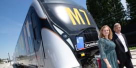 MIVB neemt eerste nieuw metrostel in ontvangst