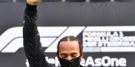 Lewis Hamilton ongenaakbaar in zouteloze race