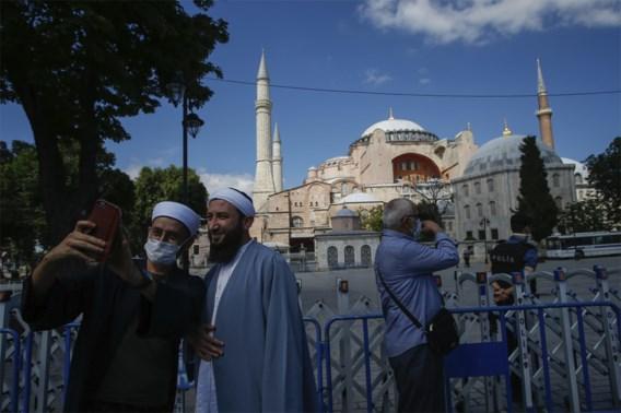 Paus Franciscus is 'zeer gekwetst' over Hagia Sophia-beslissing, Erdogan verwerpt internationale kritiek