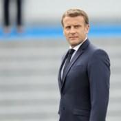 Macron in verhitte discussie met gele hesjes op Quatorze Juillet