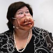 Moeten we voortaan ook op kantoor mondmaskers dragen?