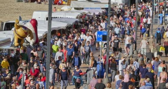 Burgemeester Dedecker verdedigt drukke avondmarkt: 'Mensen moeten zelf verantwoordelijkheid nemen'