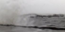 Orkaan Hanna aan land in Texas en brengt naast liters regen ook angst voor corona met zich mee