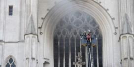 Vrijwilliger kathedraal Nantes beschuldigd van brandstichting