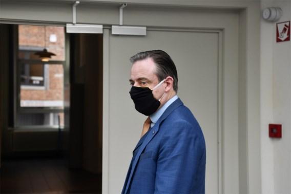 Bart De Wever in de clinch met Brusselse politici over corona-uitbraak in Antwerpen