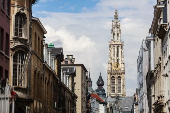 Nederland raadt landgenoten reizen en rusten en zelfs tanken in Antwerpen af