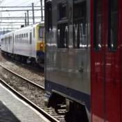 NMBS legt vanaf donderdag extra treinen in naar de kust, gouverneurs vragen 'onnodige uitstappen' uit te stellen