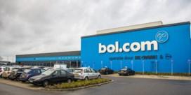 Overvallers Bol.com namen 'aanzienlijke hoeveelheid waardevolle goederen' mee met vrachtwagen