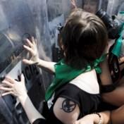 Ophef bij Mexicaanse vrouwen na abortusuitspraak: 'We willen zelf beslissen over ons lichaam'