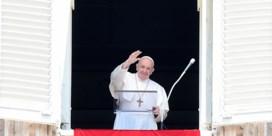 Paus geeft zes vrouwen topfuncties