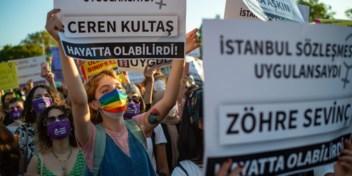 Vrouwen geslagen na protest voor … vrouwenrechten