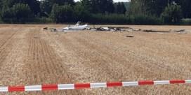 Man van 57 en 18-jarige omgekomen nadat zweefvliegtuig neerstort in Tienen