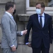 Magnette en De Wever blijven nog even aan zet
