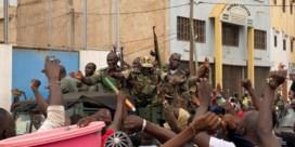 Muiters in Mali houden president vast